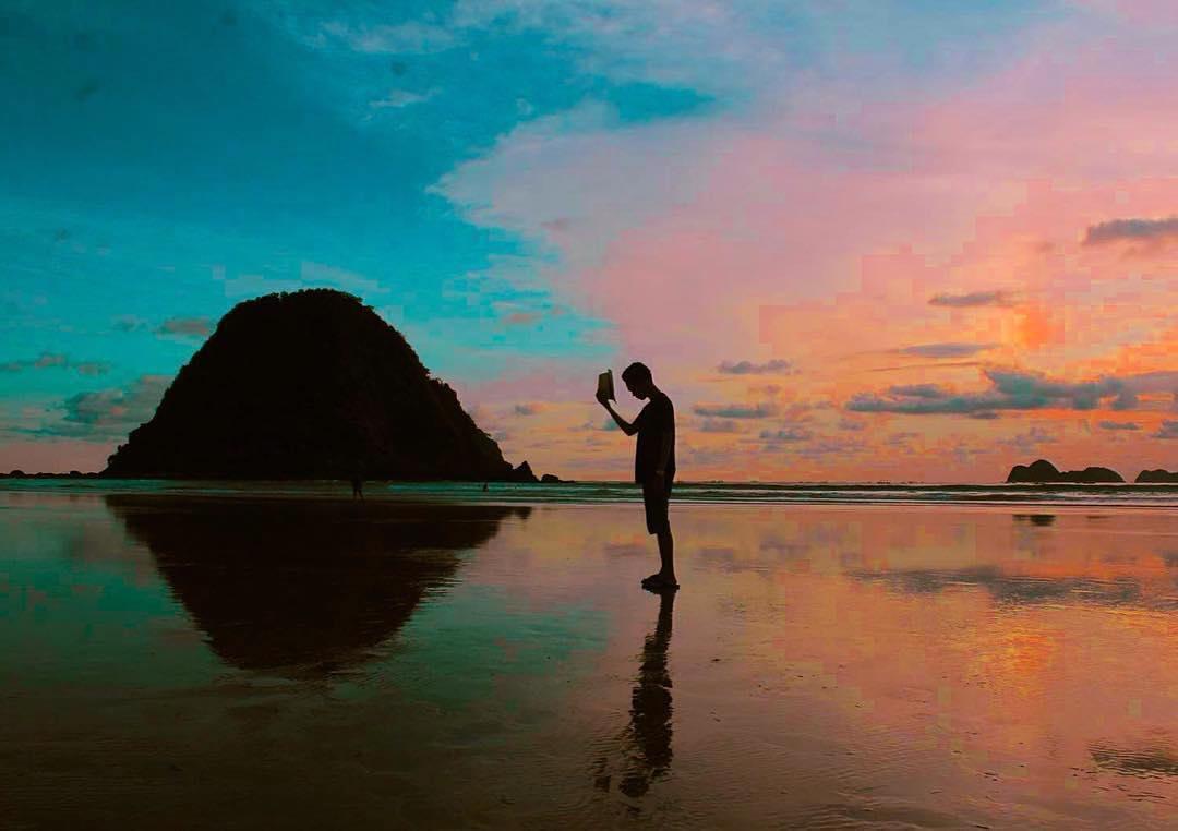 paket wisata banyuwangi 2h1m, pulau merah banyuwangi